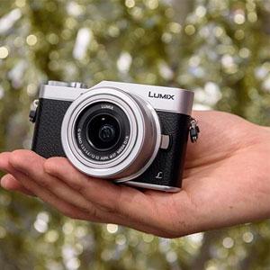 لذت گرفتن عکس های سلفی با دوربین لومیکس GX850 پاناسونیک