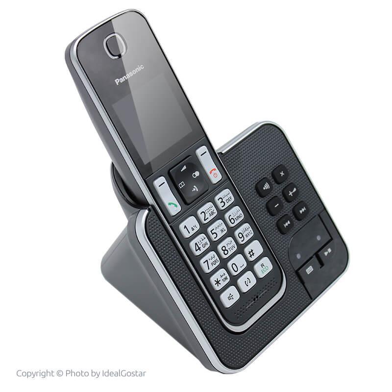 تصویر از کنار گوشی تلفن بیسیم پاناسونیک KX-TGD320 در حالت خاموش